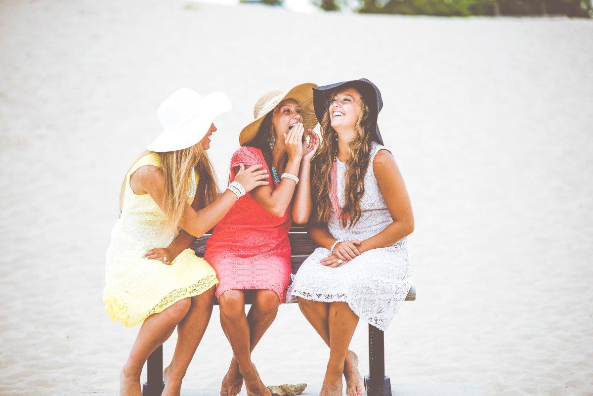 Романтичные шляпы и кружевные платья